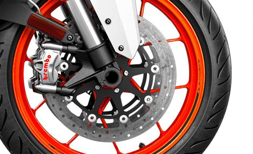 KTM 1290 Super Duke R weiss 2019